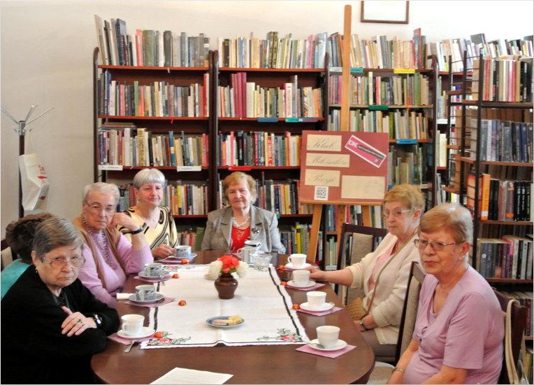 Przeglądasz zdjęcia z artykułu: DKK - Klub Miłośników Poezji – Artur Andrus – Filia nr 1 – 01.06.2015