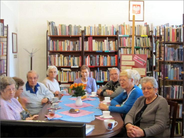 Przeglądasz zdjęcia z artykułu: DKK - Klub Miłośników Poezji – Konstanty Ildefons Gałczyński – Filia nr 1 – 09.11.2015