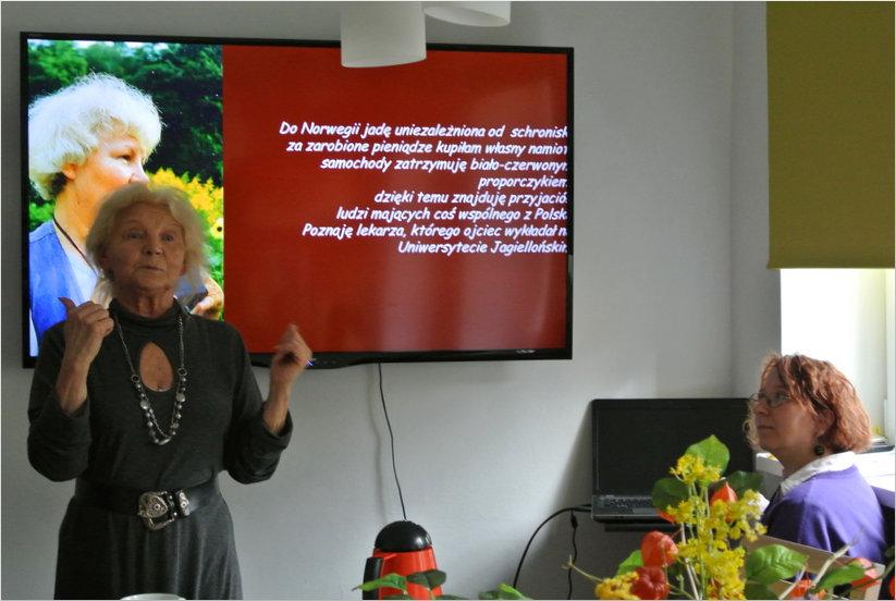 Przeglądasz zdjęcia z artykułu: DKK – KLUB GŁUCHEGO CZYTELNIKA – TERESA OLSZEWSKA-BANCEWICZ, PODRÓŻNICZKA I ARTYSTKA – 27.05.2015
