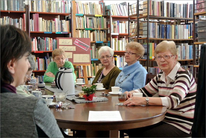 Przeglądasz zdjęcia z artykułu: DKK - Klub Miłośników Poezji – Ludwik Jerzy Kern – Filia nr 1 – 13.04.2015
