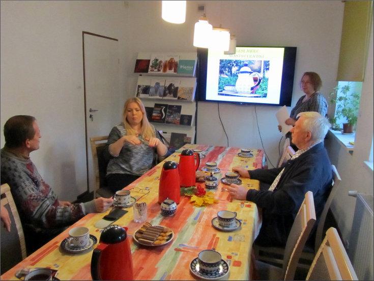 Przeglądasz zdjęcia z artykułu: DKK – KLUB GŁUCHEGO CZYTELNIKA – BOLESŁAWIEC MIASTO CERAMIKI – 28.10.2015