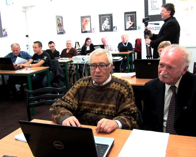 Przeglądasz zdjęcia z artykułu: Tydzień z Internetem – 'Co trzy głowy to nie jedna' – 26.03.2012