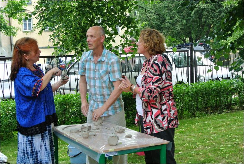 Przeglądasz zdjęcia z artykułu: SPOTKANIE Z ARTYSTAMI CERAMIKAMI – 18.06.2013