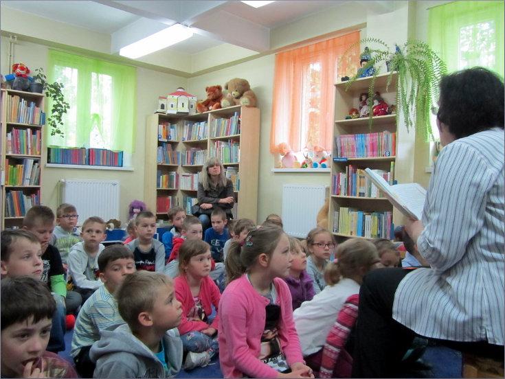 """Przeglądasz zdjęcia z artykułu: """"Ręce mamy"""" – """"Stare i nowe hity bajkowe"""" – Dziecięcy DKK – 18.05.2015"""