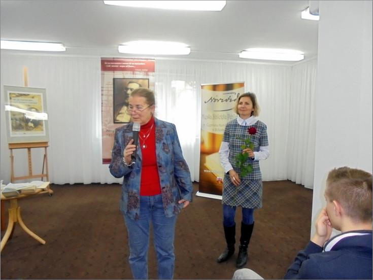 """Przeglądasz zdjęcia z artykułu: MARIA SOBOLSKA : """"JOSEPH CONRAD. MIĘDZY LĄDEM A MORZEM"""" – GALERIA """"FORMAT"""" – 14.11.2017"""