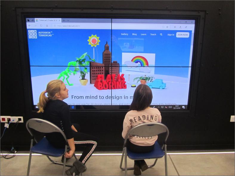 """Przeglądasz zdjęcia z artykułu: """"Świat w trójwymiarze"""" – warsztaty z druku 3D – Centrum Wiedzy – 19.11.2018"""